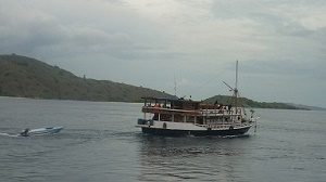 Boat trip to Komodo national park