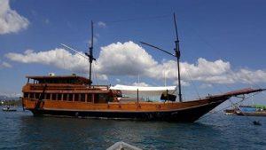 Deluxe boat tour Komodo